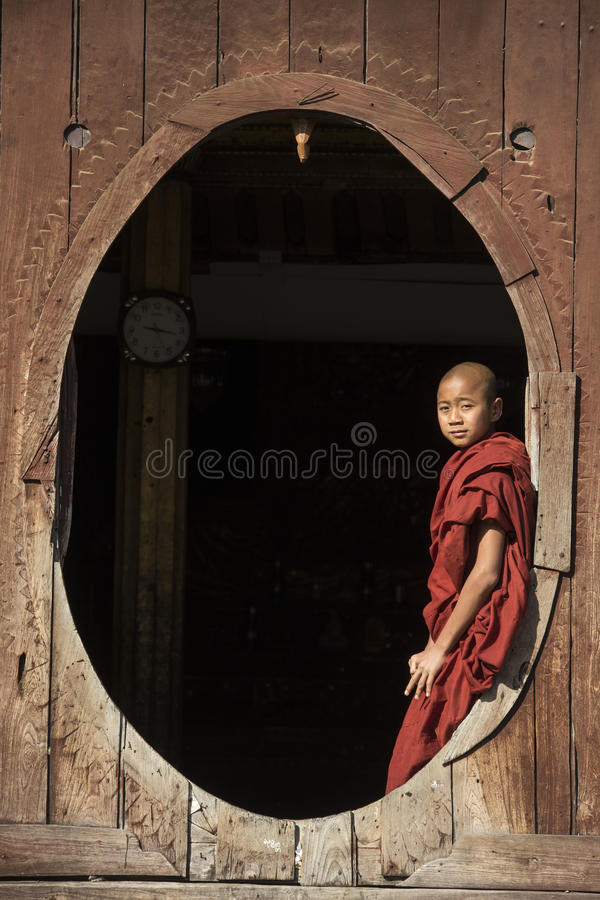 Monge do principiante - Nyaungshwe - Myanmar (Burma) fotografia de stock royalty free