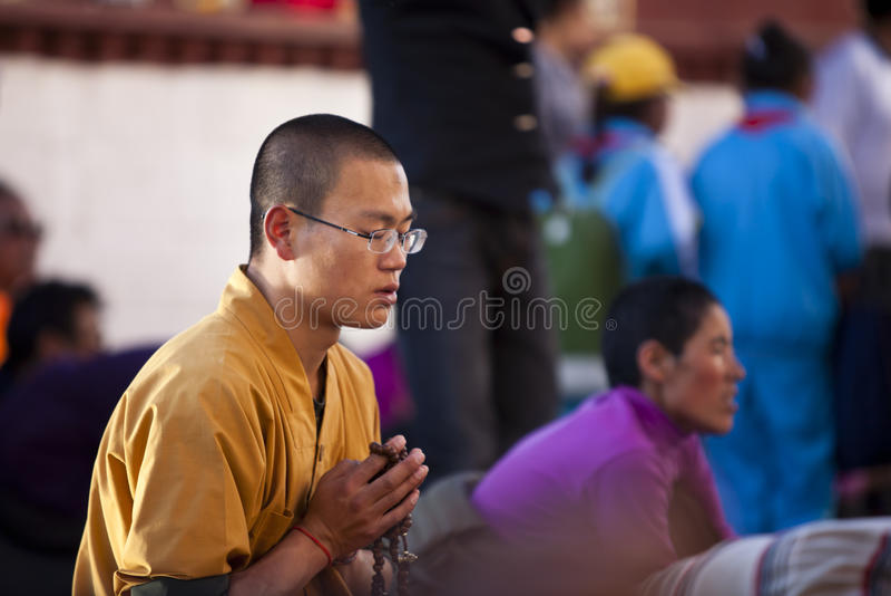 Monge Praying foto de stock