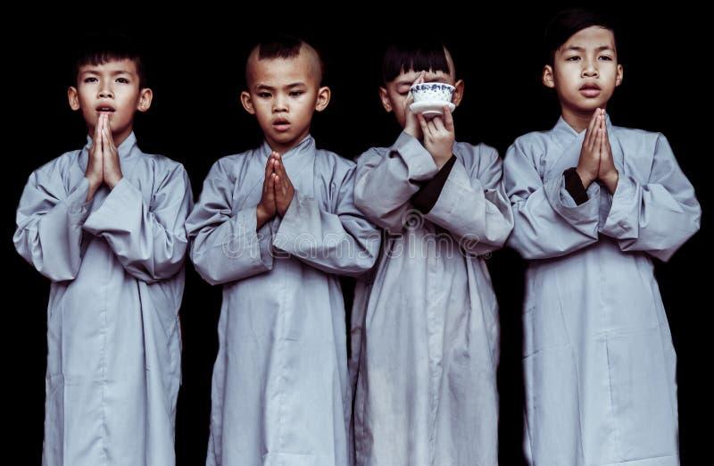 Monges budistas novas de Vietname imagens de stock