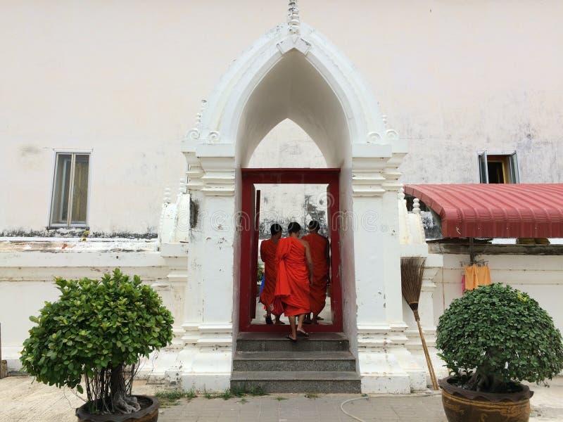 Monges em Tailândia imagens de stock royalty free