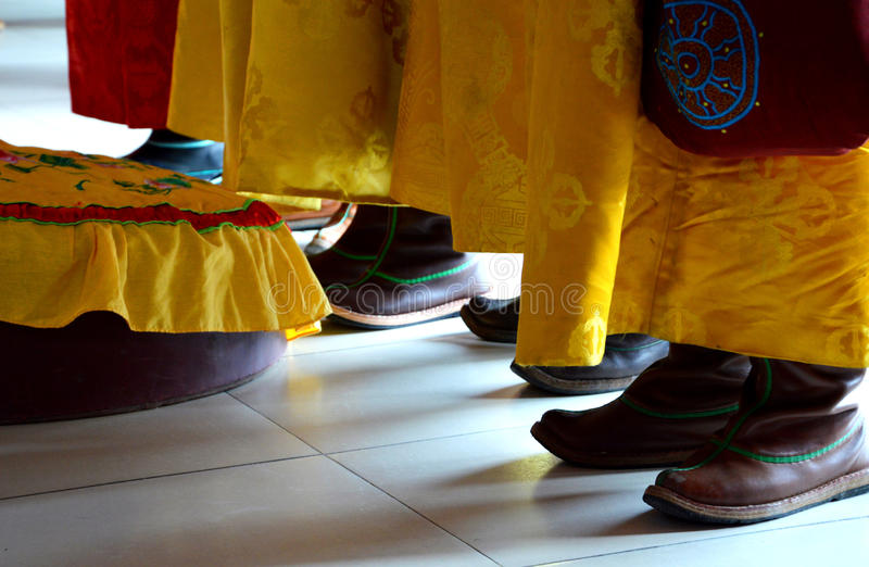 Mongoliet traditionell dräkt royaltyfria bilder