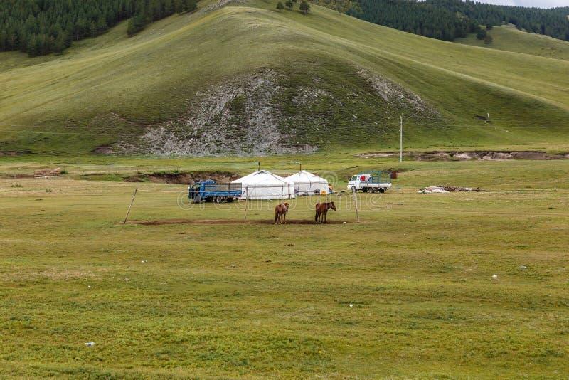 Mongolische Nomaden kampieren lizenzfreie stockfotos