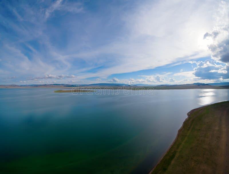 Mongolski jeziorny Telmen-Nuur zdjęcia royalty free