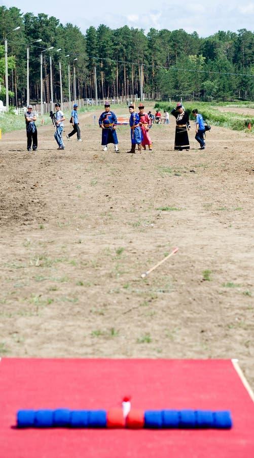 Mongools boogschieten stock afbeelding
