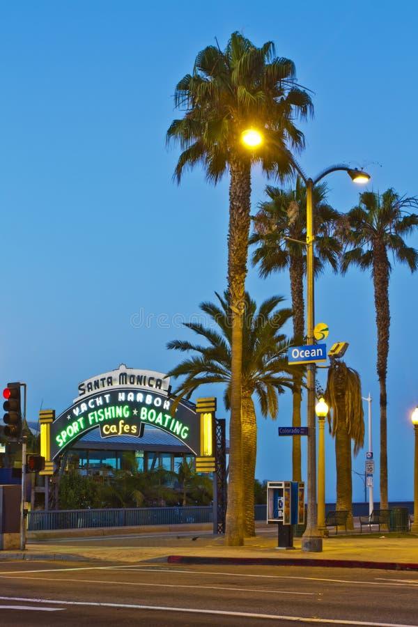 Monica-Pier in Santa Monica, Kalifornien lizenzfreie stockfotos