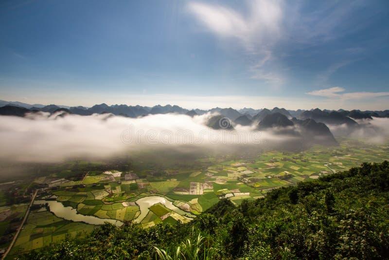 Moning no vale do arroz de Bac Son foto de stock royalty free