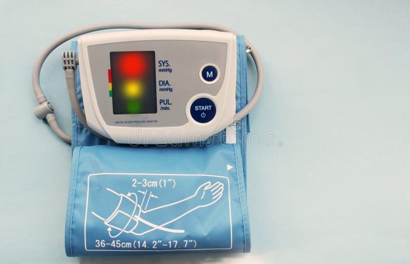 Monitor da pressão sanguínea de Digitas fotos de stock royalty free