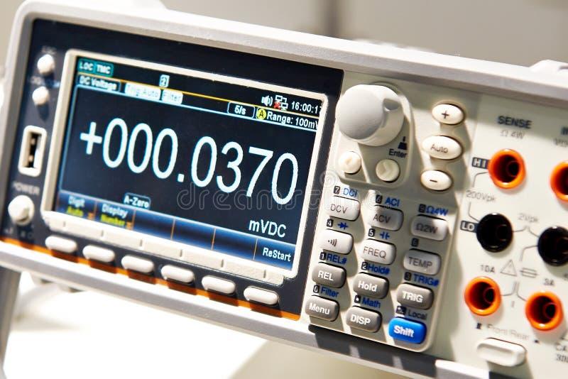 Monitor do voltímetro universal fotos de stock