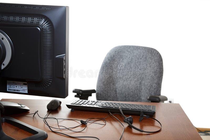 Monitor vacío de la silla de escritorio de oficina imagen de archivo
