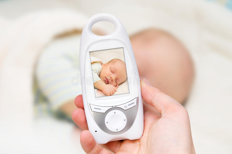 Monitor video do bebê para a segurança do bebê fotografia de stock royalty free