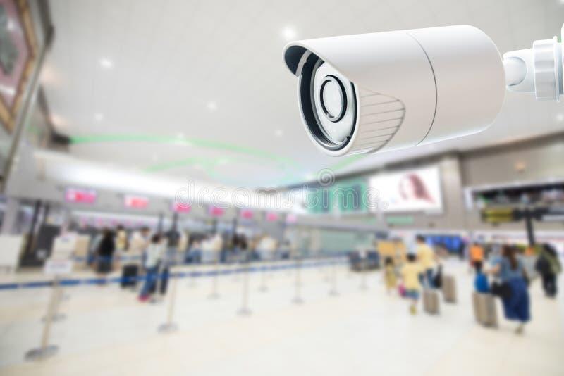 Monitoração da câmara de segurança do CCTV no aeroporto imagens de stock royalty free