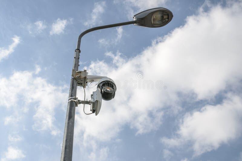 Monitoração da câmera e fiscalização da cidade para os povos fotos de stock royalty free
