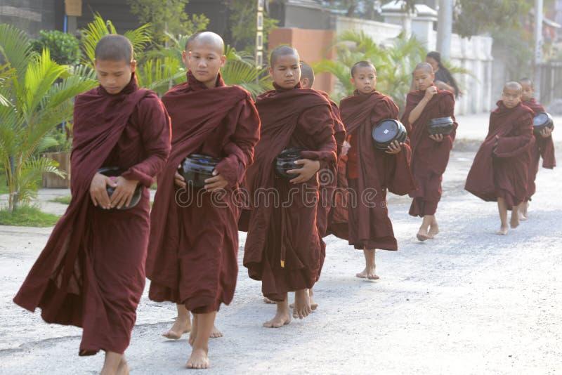 MONJE DE ASIA MYANMAR NYAUNGSHWE fotos de archivo libres de regalías