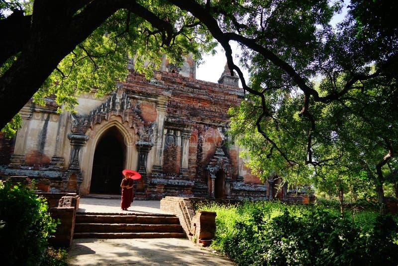 Monje en Bagan, Myanmar foto de archivo libre de regalías