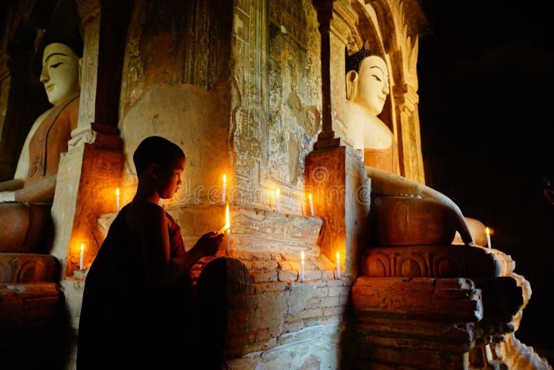 Monje en Bagan, Myanmar imagen de archivo libre de regalías
