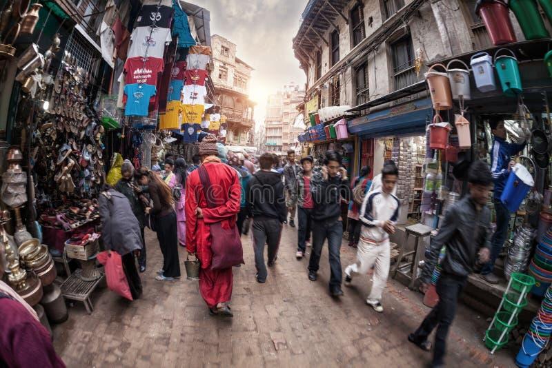 Monje en la calle de Katmandu fotografía de archivo
