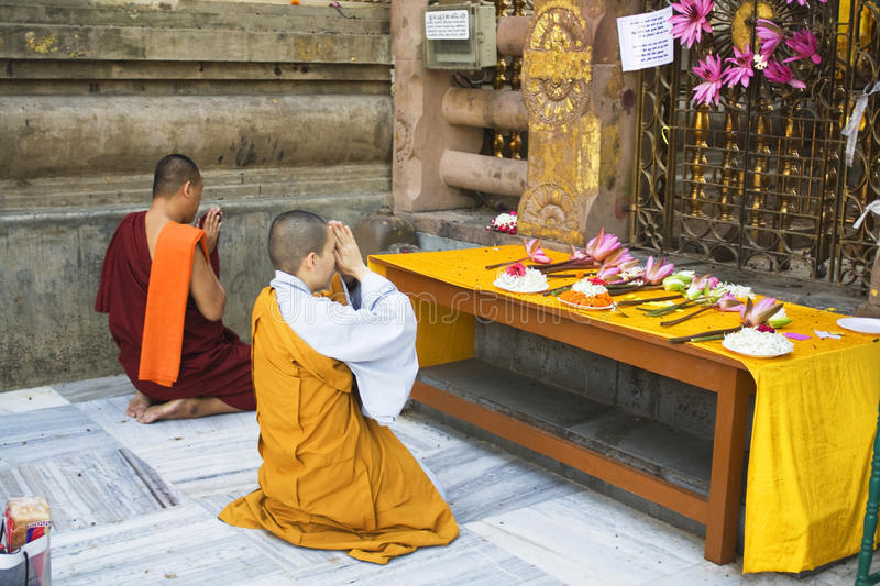 Download Buddhist Monk And Nun At The Bodhi Tree, Mahabodhi Temple Complex Editorial Photo - Image: 23124176