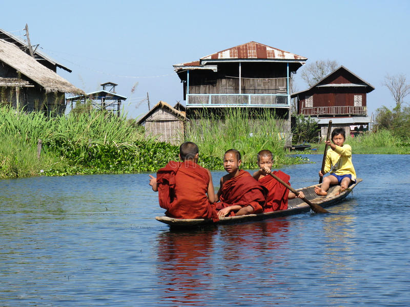 Monks in inla lake stock images