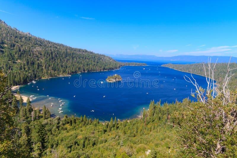 Mono formações da costa e do tufo do lago, Califórnia foto de stock