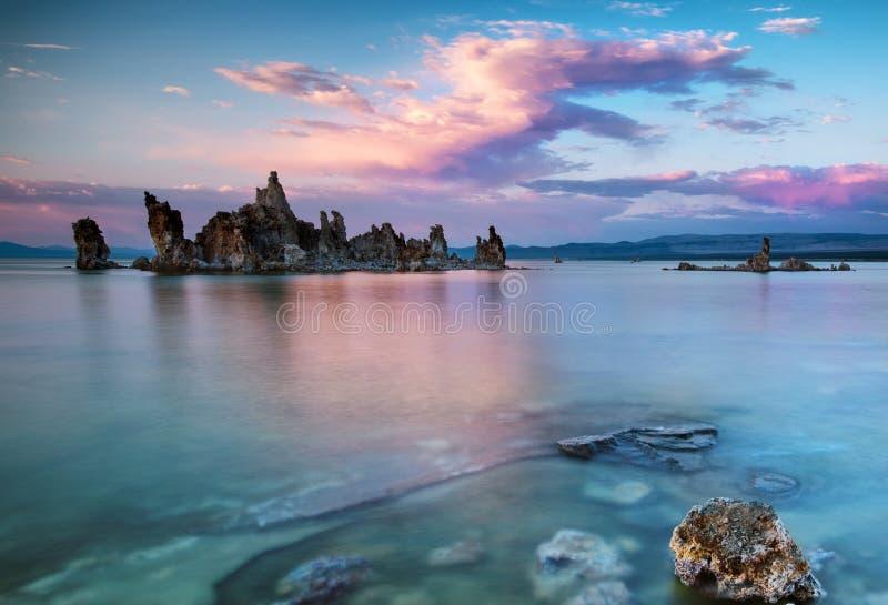 Mono Jeziorny zmierzch zdjęcie stock