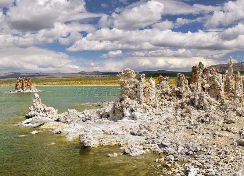 Mono jezioro, Tufa iglicy, Kalifornia zdjęcie stock