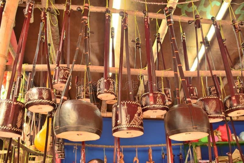 Monochord de oscilação bonito indicado no mela de Boishakhi fotos de stock