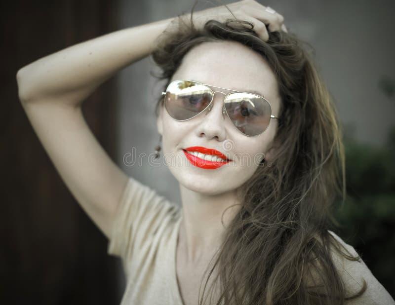 Monochromatyczny portret młoda piękna kobieta zdjęcia royalty free