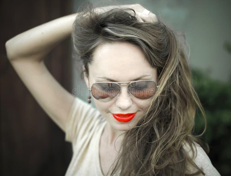 Monochromatyczny portret młoda piękna kobieta fotografia stock