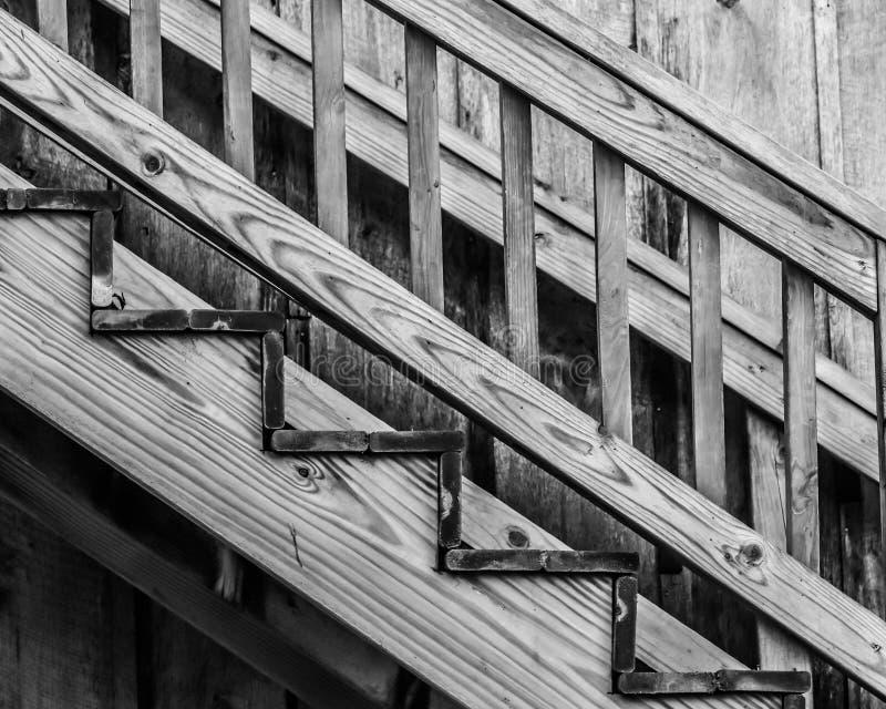 Monochroom Wooden Staircase Diagonaal stock fotografie