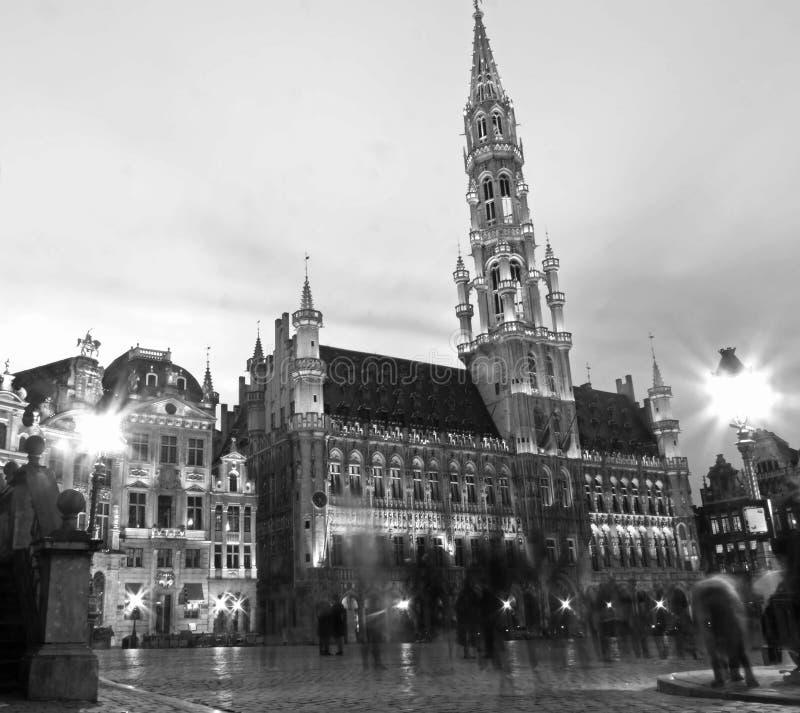 Monocromo Timelapse de Grand Place imagenes de archivo