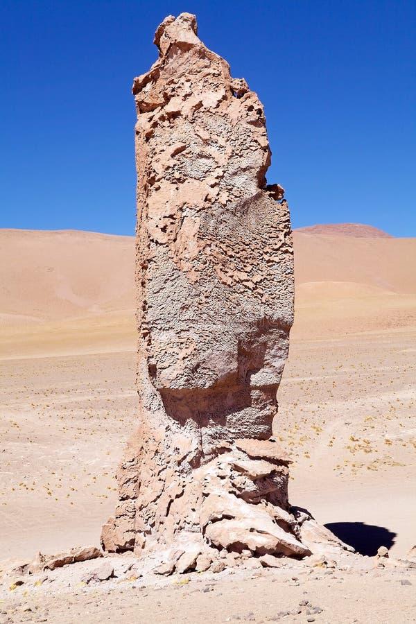 Monolithe géologique près de Salar le Tara, Chili photos stock