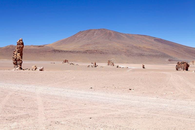 Monolithe géologique près de Salar le Tara, Chili images stock