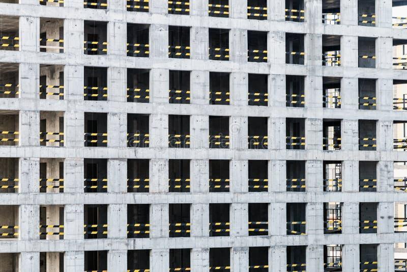 Monolithisch concreet kader van het nieuwe gebouw stock fotografie