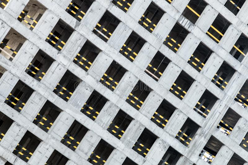 Monolithisch concreet kader van het nieuwe gebouw stock foto