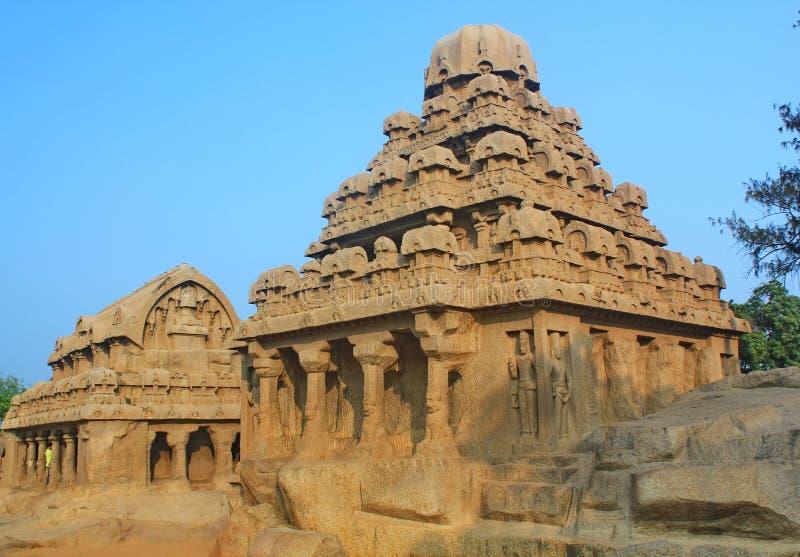 monolitiskt vagga snittet fem Rathas på Mahabalipuram, Indien arkivbild