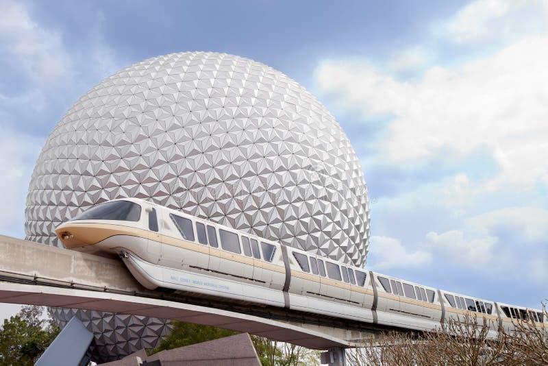 Monorail de Marck VI d'Epicot et terre de vaisseau spatial photos libres de droits