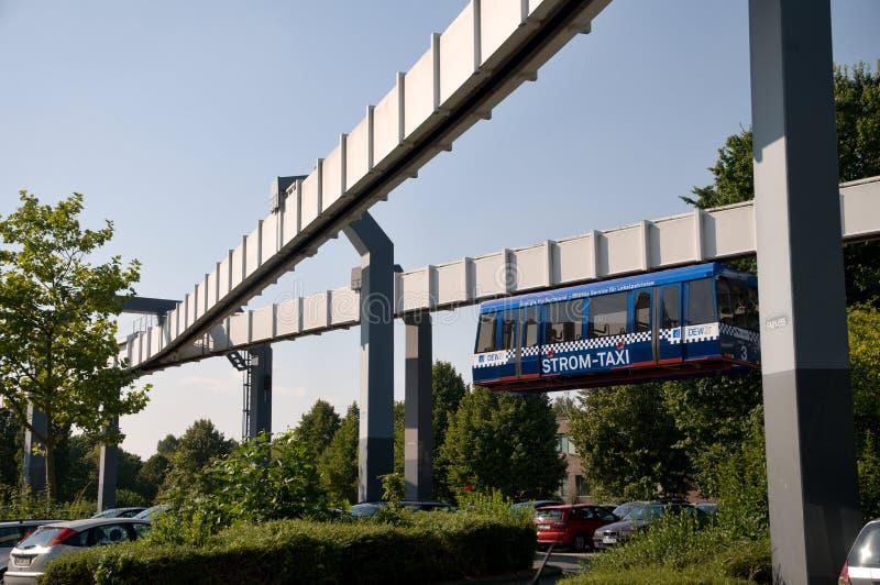 Monorrail en Dortmund foto de archivo