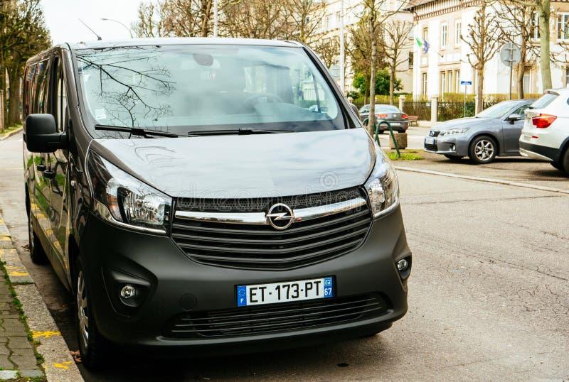 Monospace de passager d'Opel Vivaro BiTurbo photos stock
