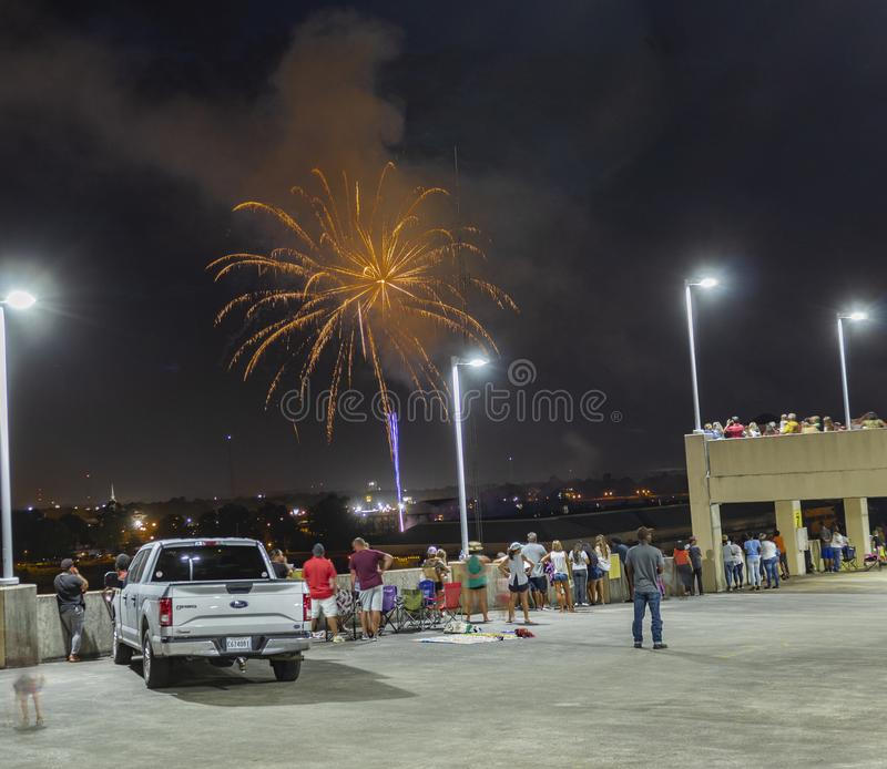 Monroe Louisiana/U S A -07/06/2019: Fyrverkeri rymde två dagar efter fjärdedelen arkivbild