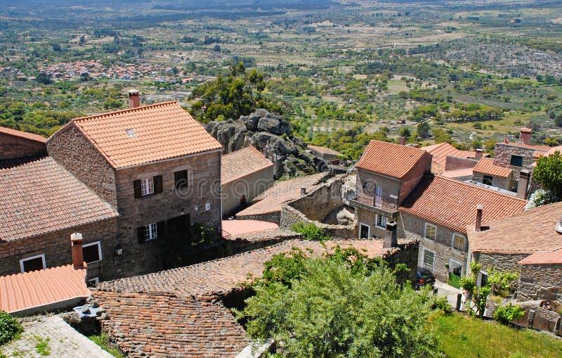 monsanto山葡萄牙村庄 库存图片