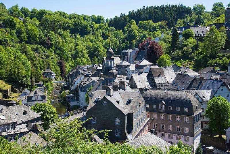 Monschau historisk mitt, Tyskland arkivfoton