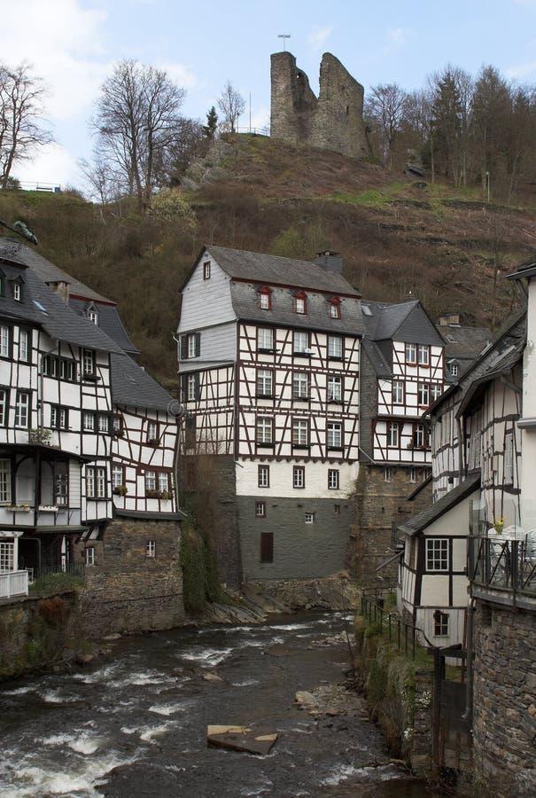 Monschau - ville historique dans à l'ouest de l'Allemagne images libres de droits