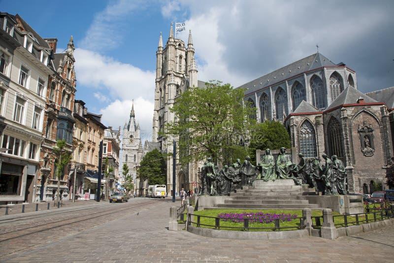 Monsieur - église de Nicholas de saint et mémorial de Van Eyck photo libre de droits