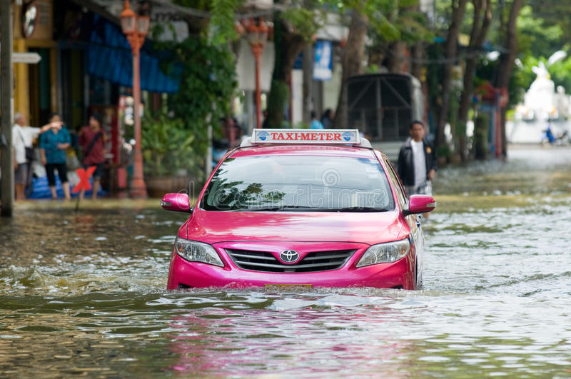 Download Monsoon Flooding In Bangkok, October 2011 Editorial Stock Photo - Image: 21815728