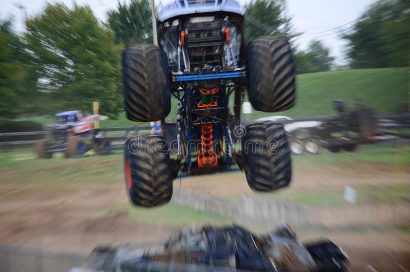 Monster truck fotos de stock royalty free