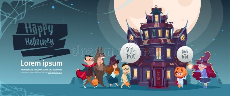 Monstres mignons heureux de Halloween marchant au château gothique avec le concept de carte de voeux de vacances de fantômes illustration stock