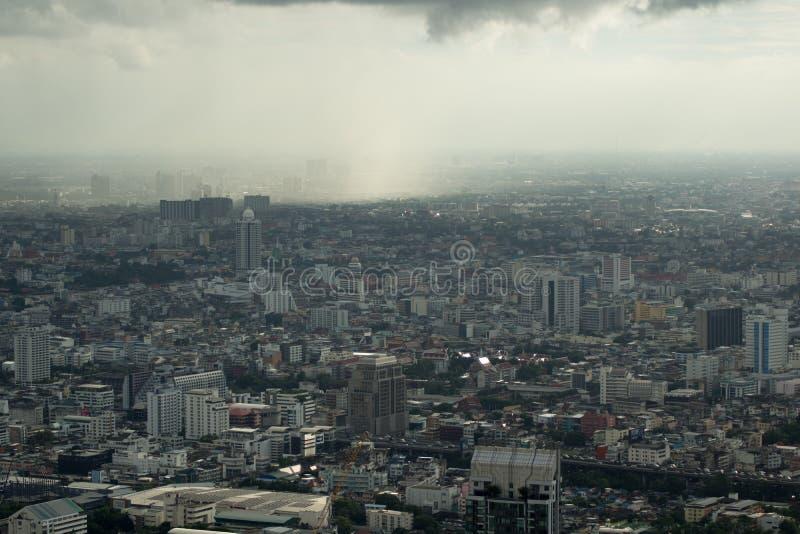 Monsun burza nad Bangkok - mglisty niebo fotografia royalty free