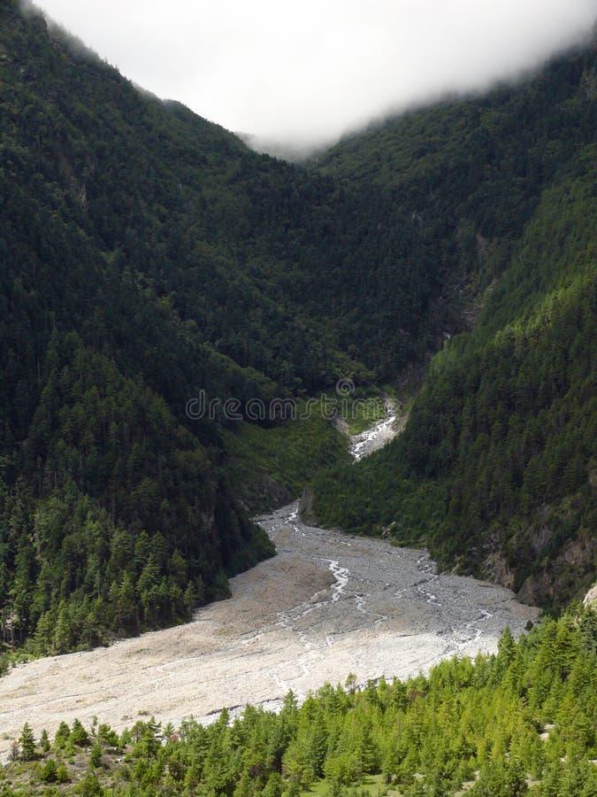 Monsun Chmurnieje nad lodowiec rzeka obrazy royalty free