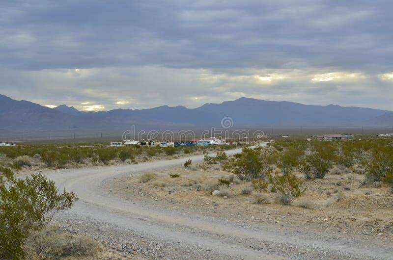 Monsun podeszczowe chmury nad pasmo górskie krawędzią sucha Mojave pustynia dolinny Nevada, usa zdjęcia royalty free
