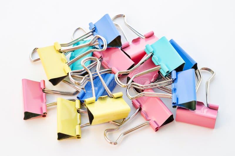 Montão de clipes coloridos imagem de stock